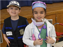 Dress for Success Introduces Young Students to Careers thumbnail162574