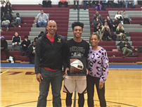 Hoops Star Edmead Scores 1,000th Career Point